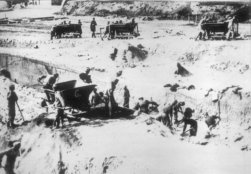 mauthausen16.jpg